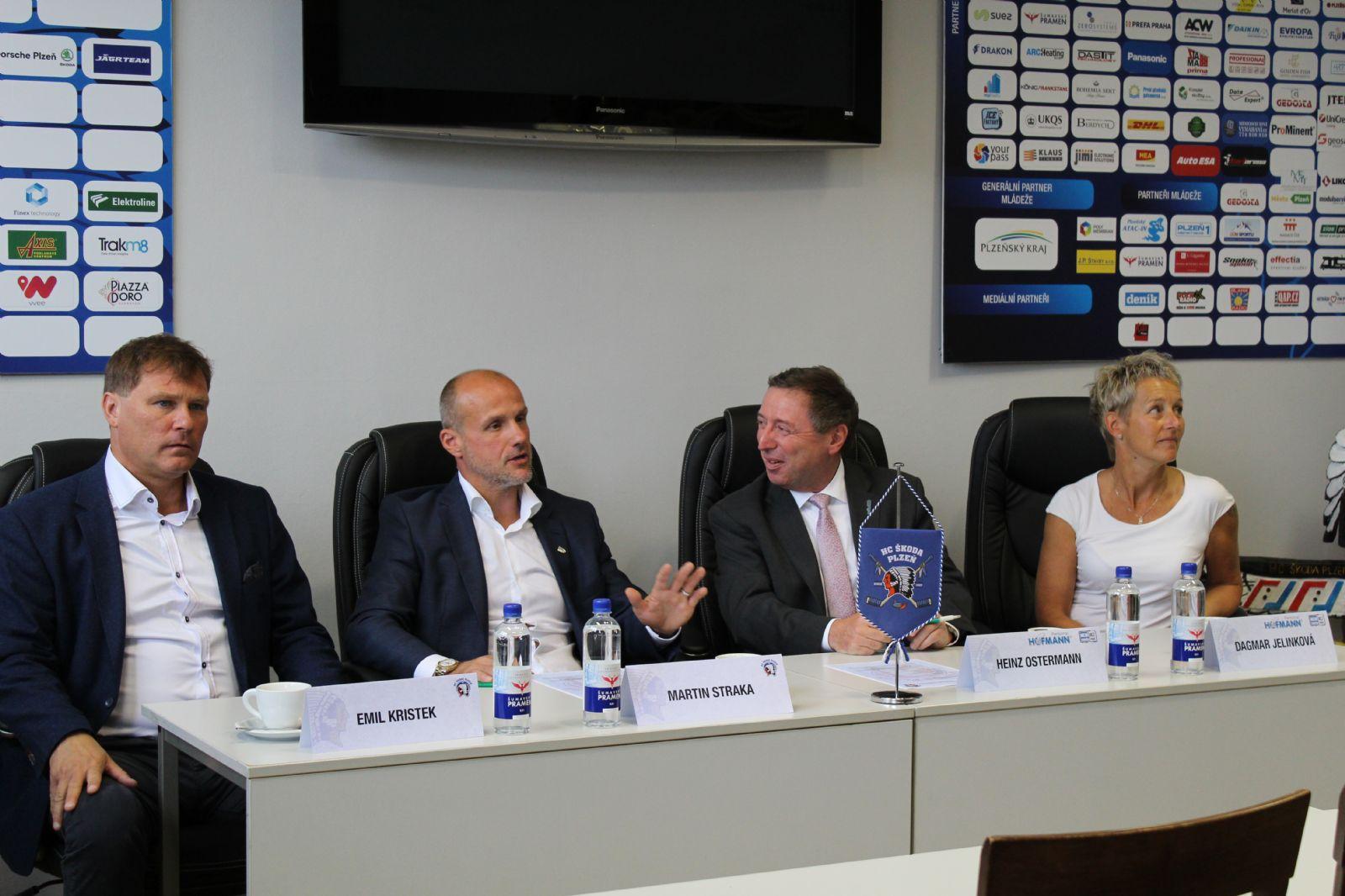 Nov½m Partnerem HC Åkoda Plzeň Je Společnost Hofmann Wizard