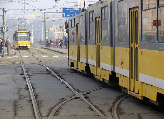 cecb51f75 Plzní bude v úterý projíždět Tříkrálová tramvaj. Koledovat budou i hejtman,  biskup a radní