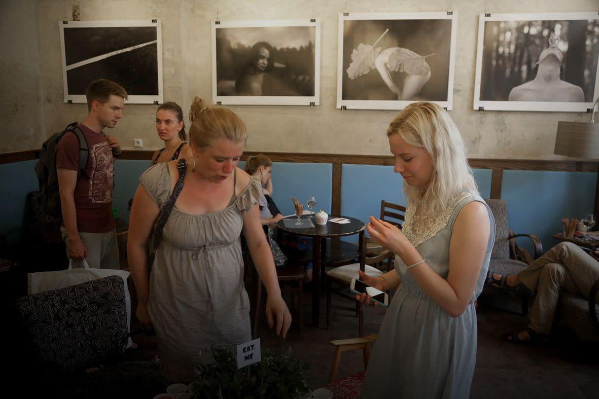 Studenti z Plzeňské SSUPŠ Zámeček vystavují své fotografie v Café ... 3c1a9e3f85e