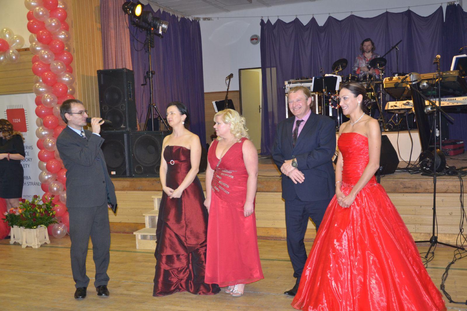 4. reprezentační ples Centra pečovatelských a ošetřovatelských služeb Město  Touškov v Kozolupech 6d05792595