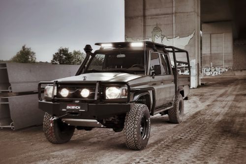 Foto: LOVECKÝ LAND CRUISER 79