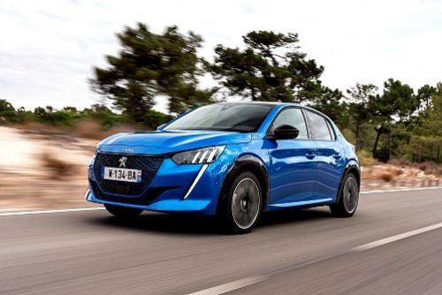 "Foto: Šest vozů Peugeot s titulem ""Car Of The Year"""